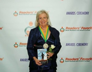 Susan Ellison Busch accepting Gold Medal Award